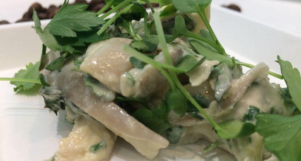 Salade de pleurotes Monte Cristo au fromage blanc et aux herbes fraîches